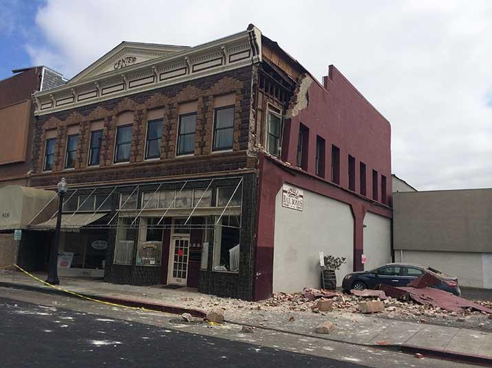 715-6-damaged_buliding